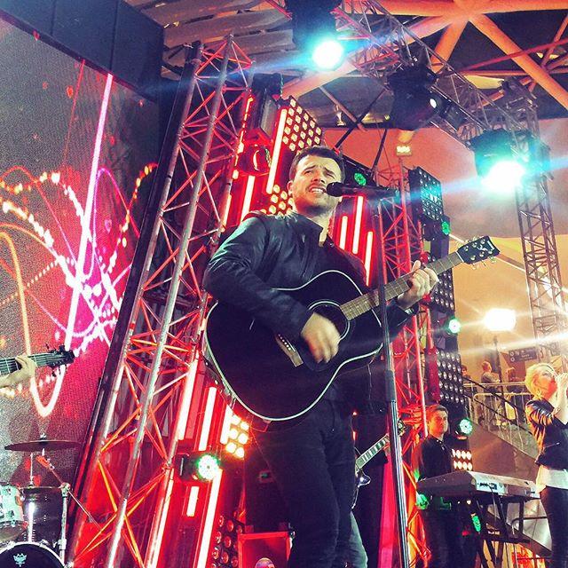 Эмин Агаларов выступал на «Партийной зоне» в Вегасе.