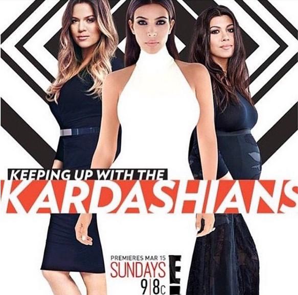 Ким Кардашьян (34) объявила о премьере 10-го сезона ток-шоу «Семейство Кардашьян». А ее фоторедактор был явно в ударе: переборщив с ретушью звезды, он приклеил ей губы Моники Беллуччи (50).