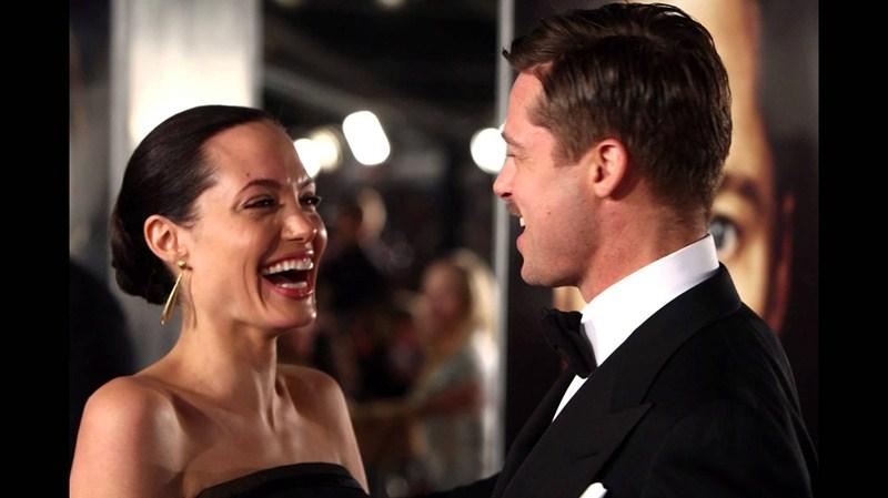 Актеры Анджелина Джоли (39) и Брэд Питт (51)