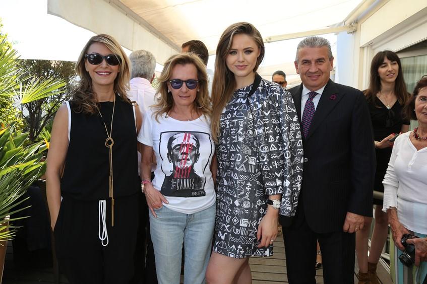 Ронит Рафаэль, Каролина Шойфеое и Кристина Базан