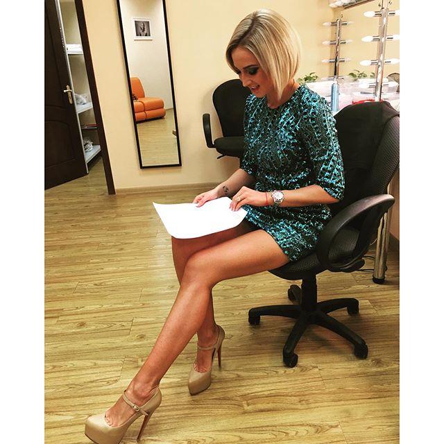 Ольга Бузова все выходные работала, записывая очередной выпуск своего ток-шоу.