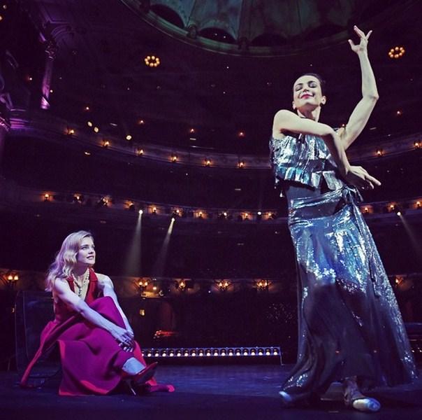 Наталья Водянова в Лондоне любовалась примой балета Дианой Вишневой на вечере своего благотворительного фонда «Обнаженные сердца».