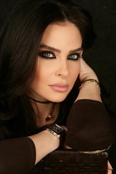 Ливанская телеведущая Надин  Агнатиос, 37