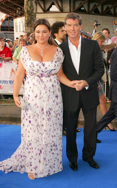 Супруга Пирса Броснана (62), Кили Шей Смит (51)