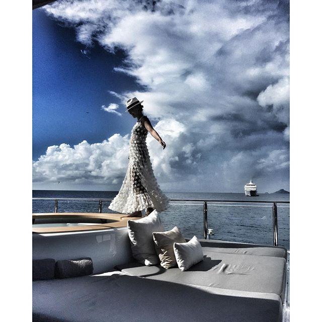 Ксения Собчак отдыхала в одном из своих любимых платьев.