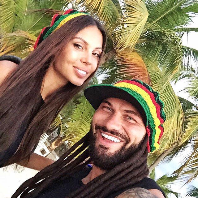 Оксана Самойлова с мужем побывали в образе Боба Марли.