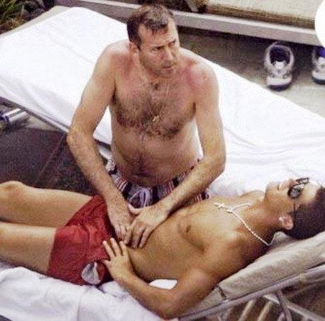 Ничего запрещенного, просто Криштиану Роналду делают массаж