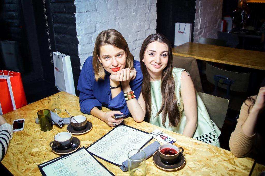 Зоя Молчанова и Наталья Осипова