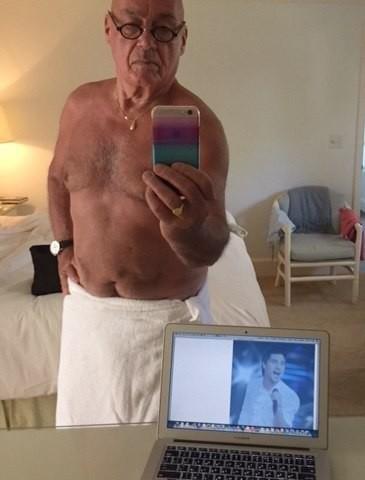 Владимр Познер (81) взорвал интернет этим снимком, и теперь такое вряд ли забудешь