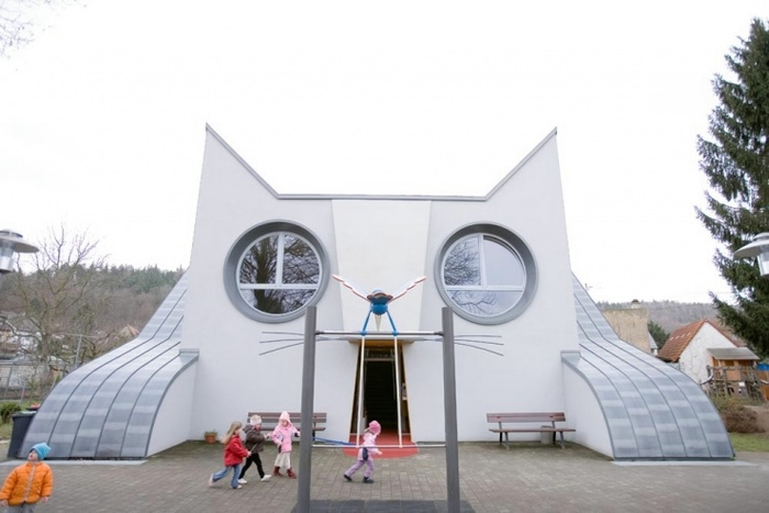 Дом - кошка в г.Карлсруэ, Германия (детский сад).