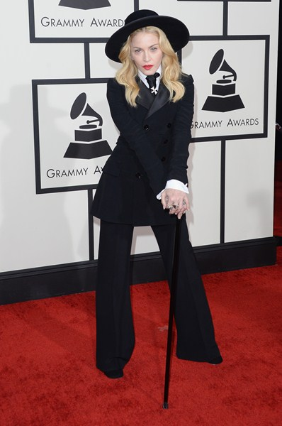 Певица Мадонна (56), 165 см