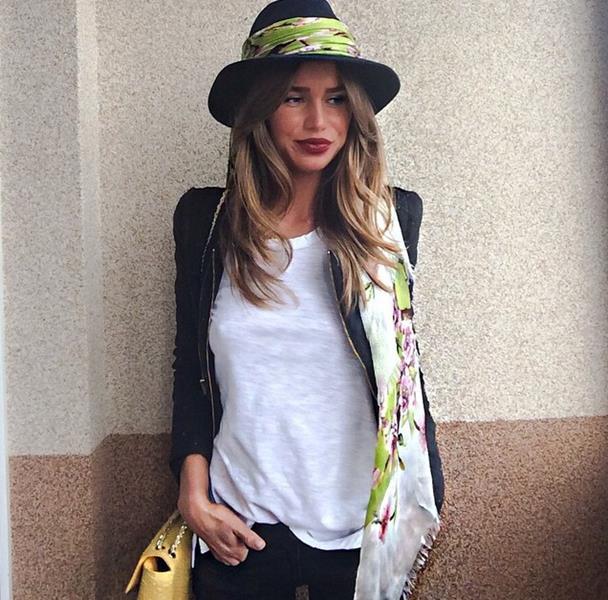 Алекса (26), певица