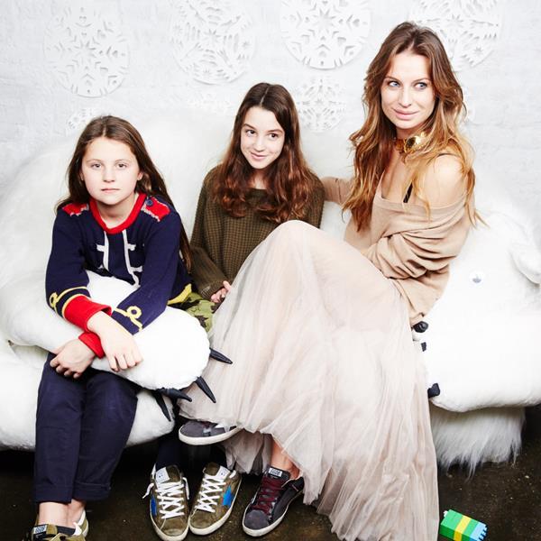 Анастасия Рябцова с дочерьми Верой и Васей