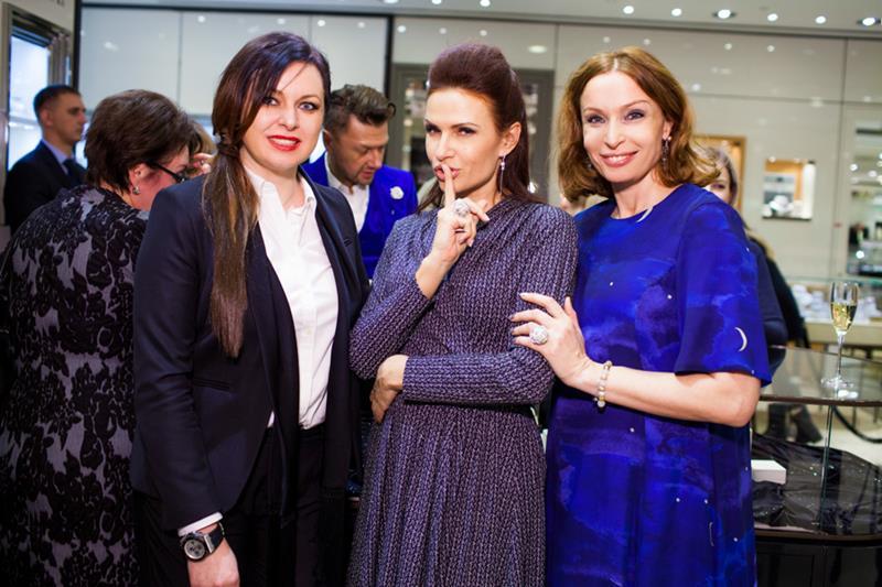 Светлана Амова, Эвелина Бледанс и Евгения Попова