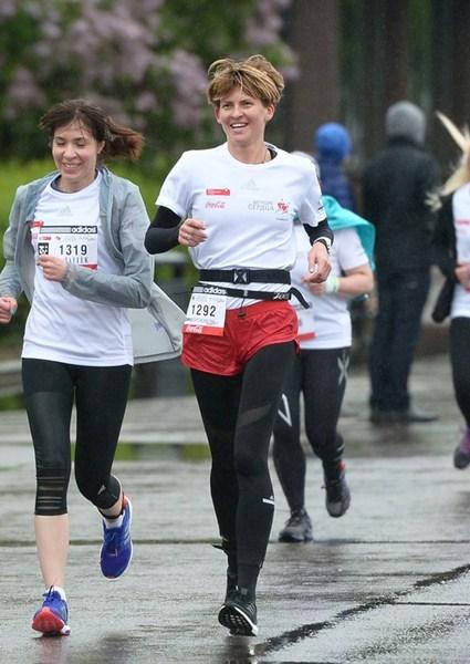 Полина Киценко – одна из основателей фонда «Обнаженные сердца» – также участвовала в забеге.