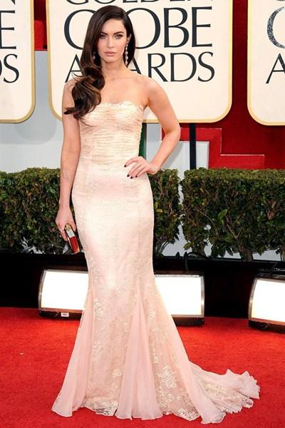 Где: Кинопремия Золотой Глобус,  2013. В чем: Платье Dolce &Gabbana, украшение Lorraine Schwartz, клатч Jimmy Choo.