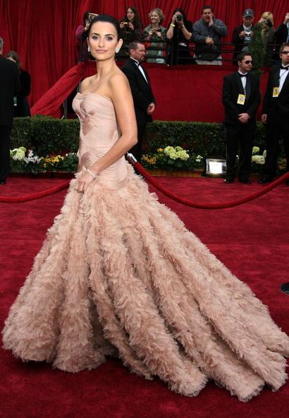 Актриса Пенелопа Крус (40) в платье Versace Atelier. 2007 год.