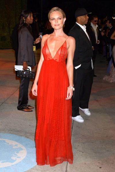 Актриса Кейт Босуорт (32) в платье Calvin Klein Collection. 2005 год.
