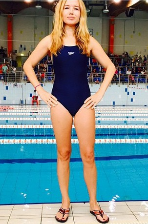 Ида Лоло во Дворце спорта «Янтарь» устроила заплыв.