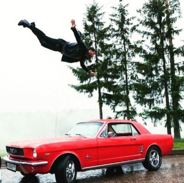 Эмин Агаларов учился летать.