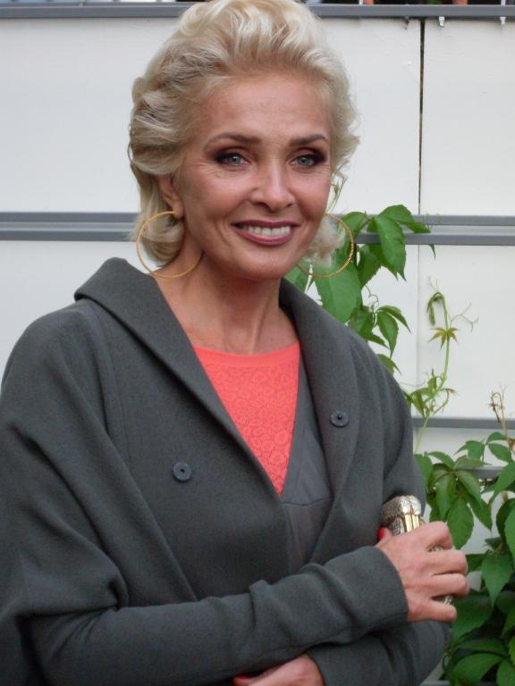 Певица Лайма Вайкуле (60)