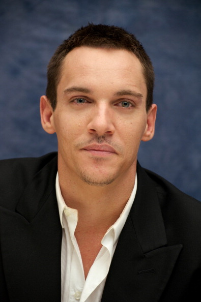 Актер Джонатан Рис-Майерс, 37
