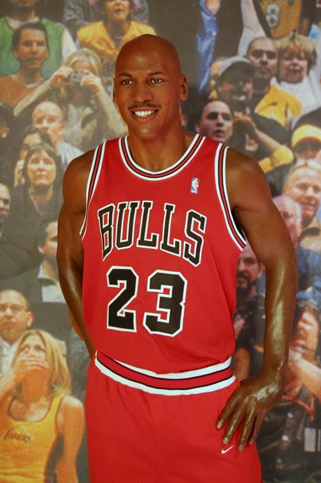 Майкл Джордан (51), американский баскетболист