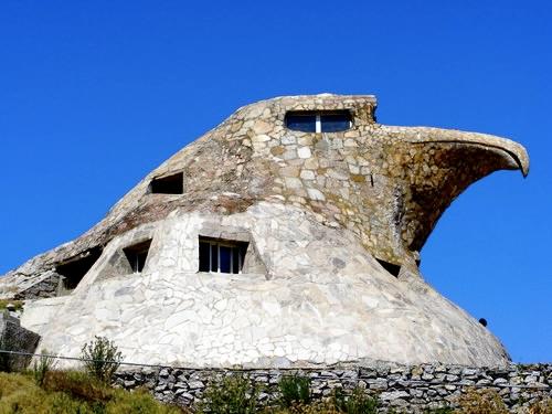 Дом - орёл в Атлантиде, Уругвай.