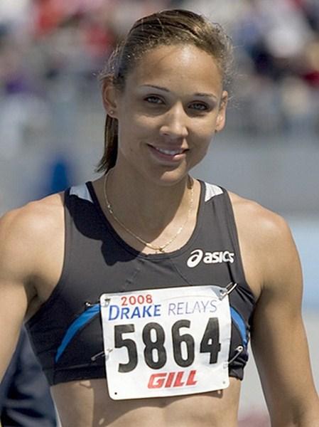 Легкоатлетка и бобслеистка Лоло Джонс, 32