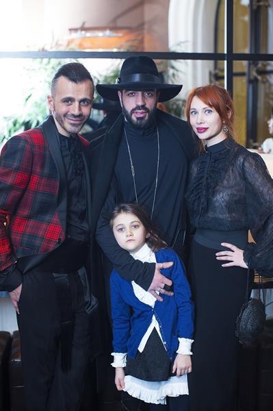Александр Сирадекиан, Давид Геворков, Елизавета Шарикова с дочерью Эмануэль