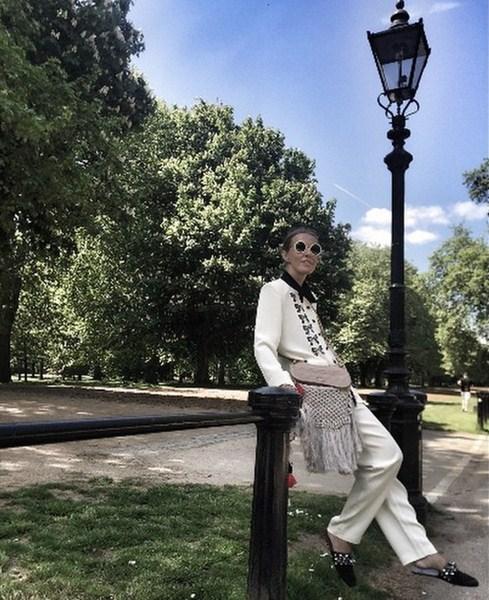 Ксения Собчак во всей красе гуляла по Гайд-парку в Лондоне.