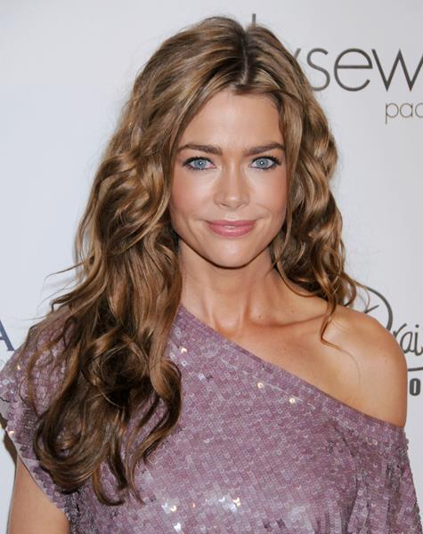 Дениз Ричардс (43), американская актриса. Известна миру благодаря роли в фильме