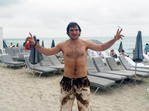 Нападающий хоккейного клуба Washington Capitals Александр Овечкин, 29