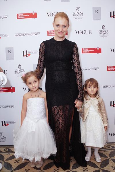 Дарья Пухаева с дочерьми