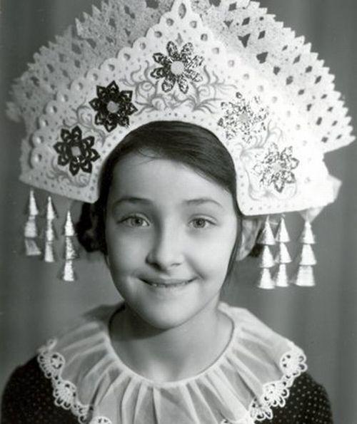 ЛОЛИТА МИЛЯВСКАЯ (51), певица