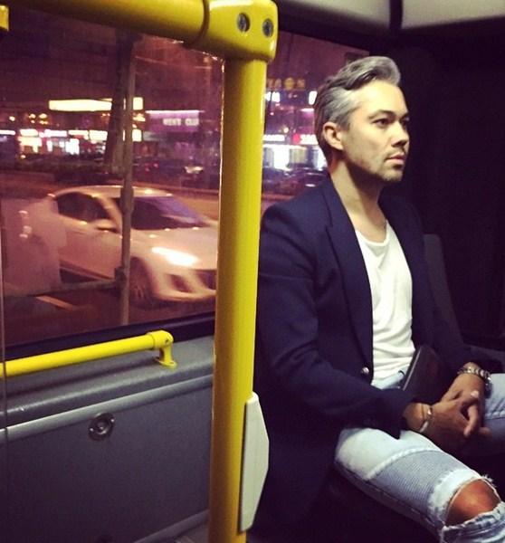 Александр Рогов пересел на троллейбус.