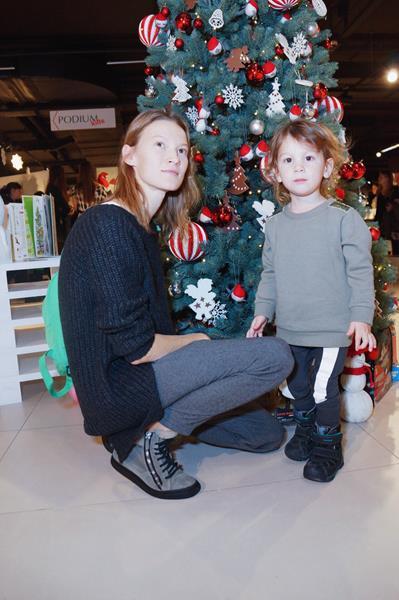 Елена Судакова с сыном Лукой