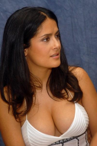 Актриса Сальма Хайек, 48