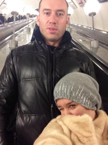 Телеведушая Ксения Бородина (31) и ее бывший молодой человек, экс-участник реалити-шоу «Дом 2» Михаил Терехин (34)