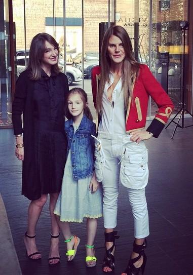 Алена Пенева в объятиях дочери записала интервью с Анной Делло Руссо.