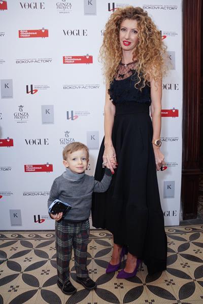Изольда Ишханишвили с сыном