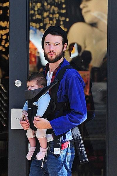 Актер Том Старридж (29) с дочкой Марлоу (3)