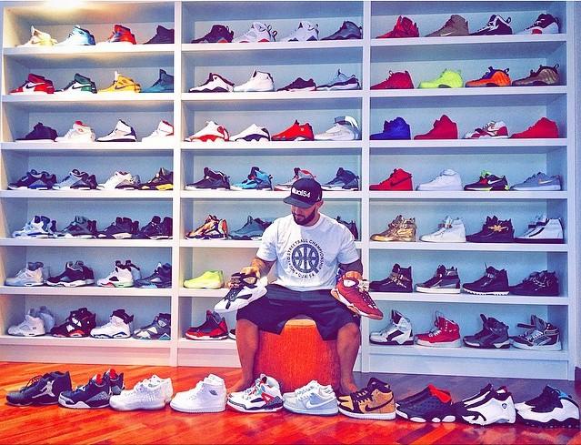 Джиган обновлял свои запасы обуви.