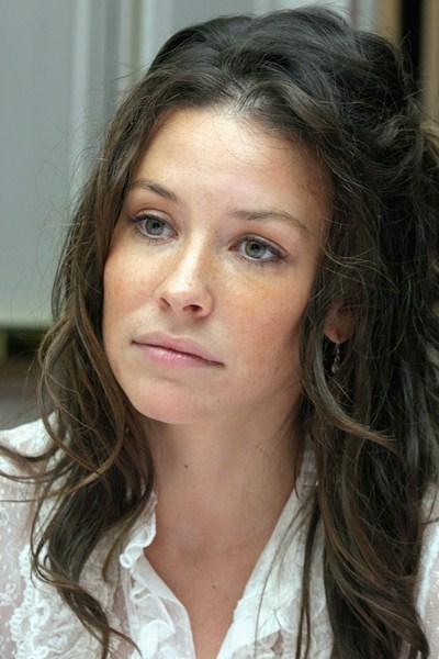 Актриса Эванджелин Лилли, 35