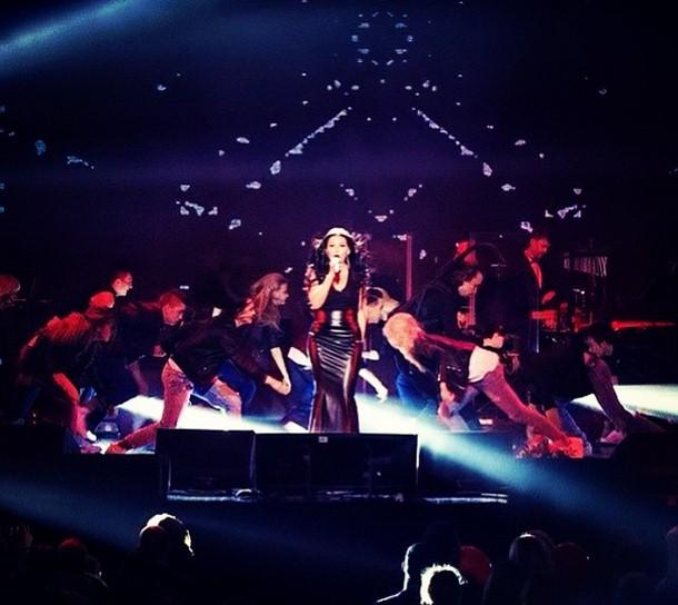Ирина Дубцова уже 10 лет на сцене радует своих поклонников, и в честь этого юбилея выступила с сольным концертом в «Крокус Сити».