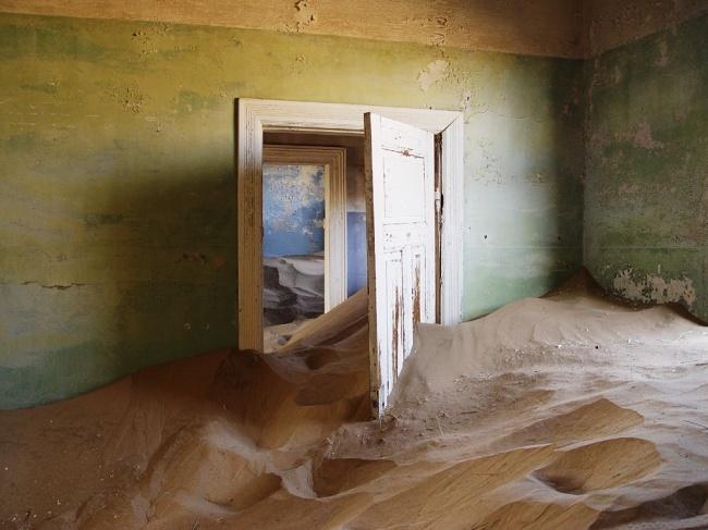 Город-призрак Колманскоп, Намибия.