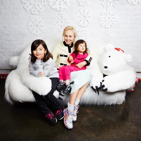Ольга Карпуть с дочерьми Соней и Сашей