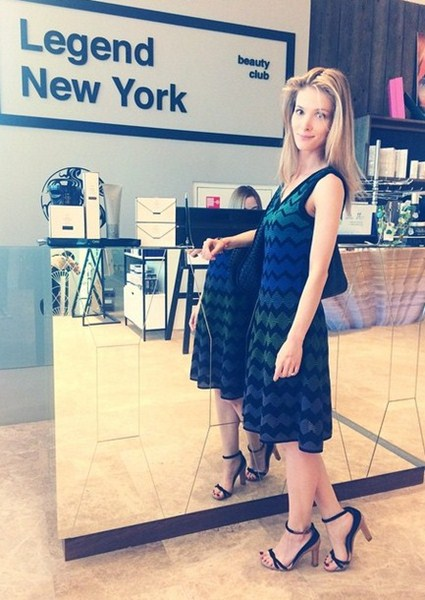 Светлана Иванова наводила красоту.