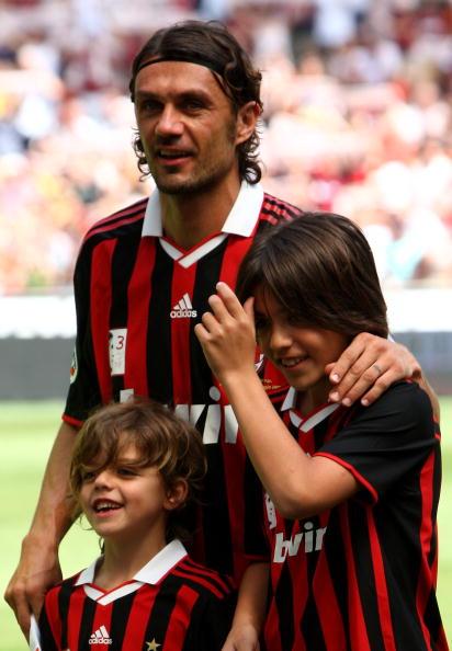 Футболист Паоло Мальдини (46), Кристиан и Даниэль