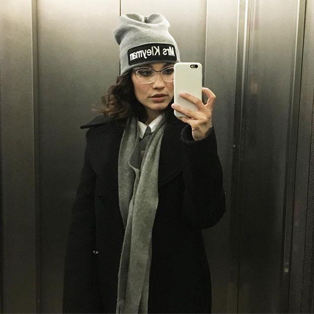Вика Дайнеко хвасталась крутой шапкой